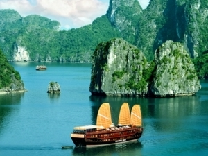 HA LONG BAY ORIENTAL SAIL 2 DAYS ON LUXURY BOAT