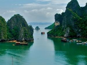 Ha Long Bay - Wonder of The World Photos