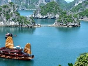 Ha Long - Tuan Chau Island Photos