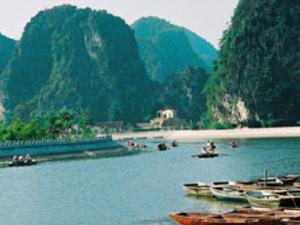 Hoa Lu - Tam Coc one day (Halong Bay on land) Photos