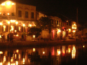 Hoi An Mysterious Night Photos