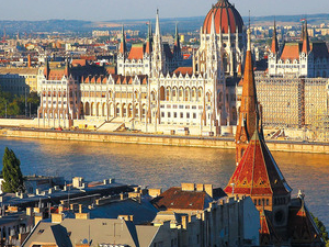 Ideal City Tour with Daytime Danube Cruise Photos