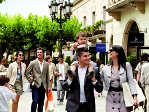 La Roca Village Shopping Day Experience Package with €25 gift card Photos