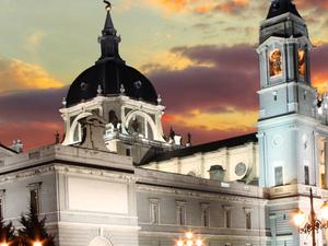 Madrid Super Saver: Madrid Illuminations Evening Tour and Flamenco Show at Torres Bermejas Photos