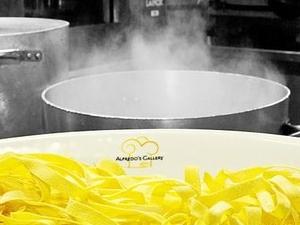 THE ORIGINAL FETTUCCINE ALFREDO in Rome - Dine like a Hollywood star! Photos