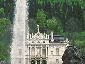 The Royal Castle of Linderhof and Oberammergau Photos