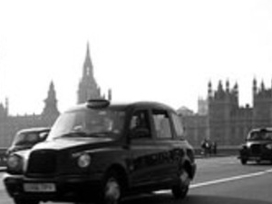 Transfer from Gatwick, Stansted or Luton airport to centre of London Photos