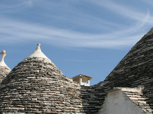 Walking among trulli - Alberobello tour