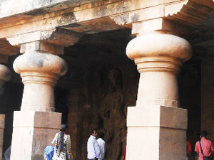 World Famous ancientness Elephanta Caves Tour with Ride of Toy Train Photos
