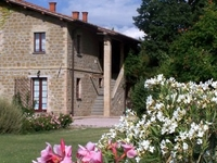 Apt. with pool close to Perugia.