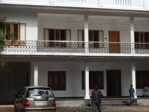 Comfortable home central Cochin
