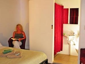 Adelaide Travellers Inn