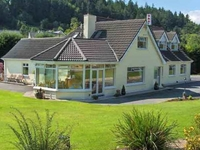 Cherrybrook Country Home