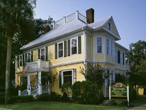 Coombs House Inn