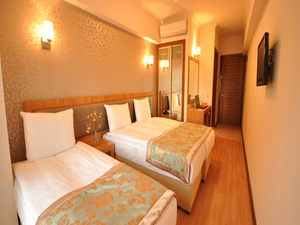 Grand Anzac Hotel