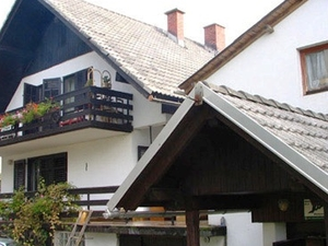 Jakelj Backpackers House