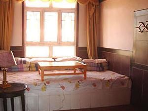 Kokonor Lake International Youth Hostel
