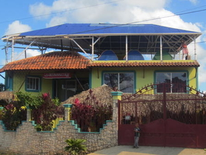 Nicki's Art & Surf Hostel