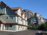 Squamish Inn on the Water