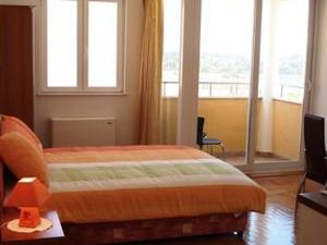 Studio apartment Romana