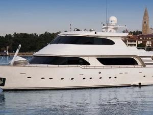 Yacht Anna Dukaj
