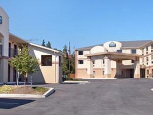 Days Inn And Suites Laurel Ft