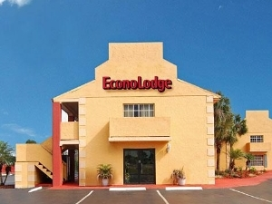 Econo Lodge Inn And Suites Ma