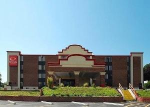 Econo Lodge Inn And Suites Ha