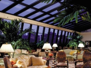 Ritz-carlton A Four Seasons Ht