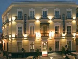 Petit Palace Santa Cruz Hotel