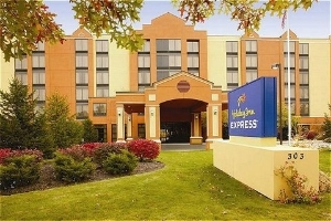Holiday Inn Exp Ste South Port