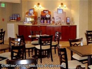 Holiday Inn Exp Ste Grdn Grove