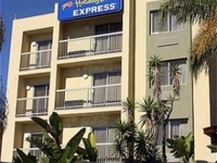 Holiday Inn Exp Mission Bay