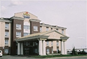 Holiday Express and Suites Airdrie