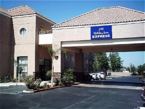 Holiday Inn Exp Perris East