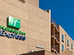 Holiday Inn Express West La