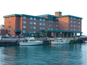 Holiday Inn Harborview