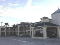 Summit Inn And Suites
