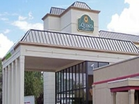 La Quinta Inn Suites Clifton