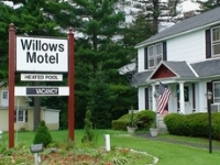 Willows Motel Williamstown