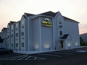 Microtel Gassaway Sutton