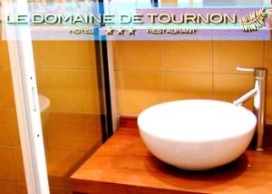 Domaine De Tournon