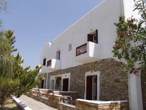 Petros Place Hotel
