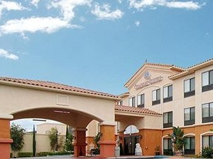 The Prominence Hotel And Suites