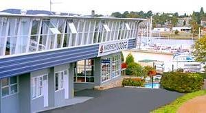 Leisure Inns Waterfront Lodge
