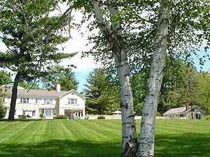 1800 Devonfield Inn, An English Country Estate