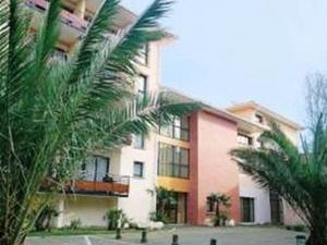Appart Hotel Du Parc Ex Charlar