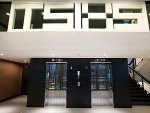 Tsix5 Hotel