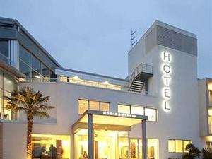 Yoda Hotel Horizon