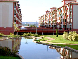 Nobile Lake Side Con E Resort